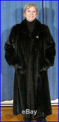 $5,000.00 SIZE/XL TOP QUALITY FEMALE BLACK/BROWN MINK FUR COAT WithXL 72'' SWEEP